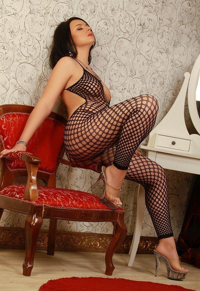fotografii-struynogo-zakazat-prostitutku-apartamenti-porno